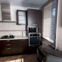 Квартира посуточно Премьер, кухня и бытовые приборы
